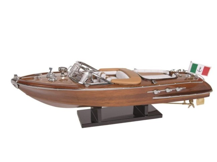 Модель яхты Riva 40 см