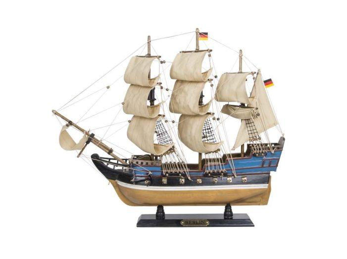 Модель парусной яхты 52 см