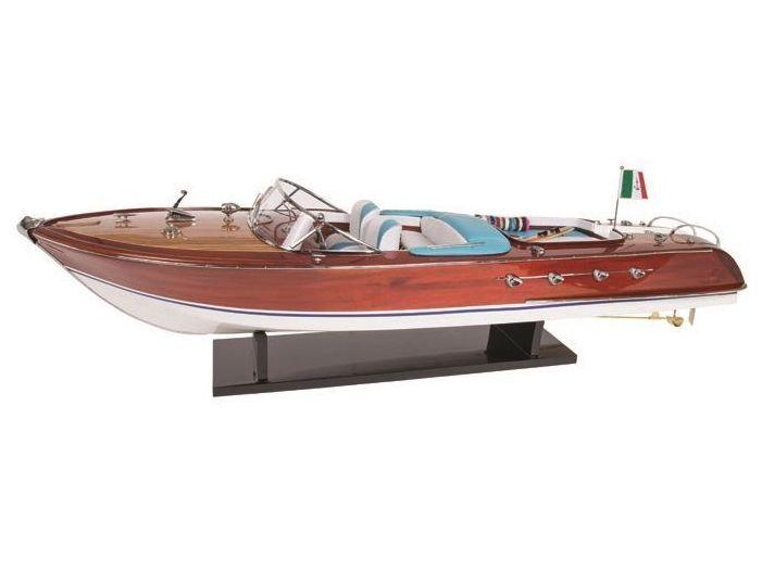 Модель яхты Riva 120 см