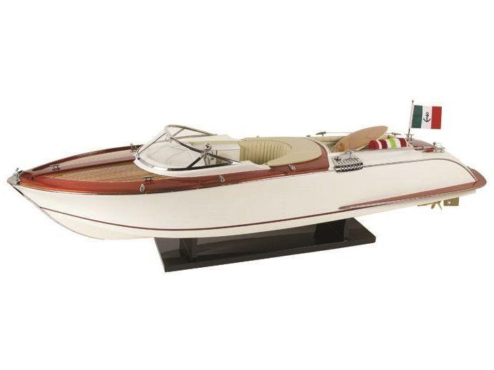 Модель яхты Riva 90 см