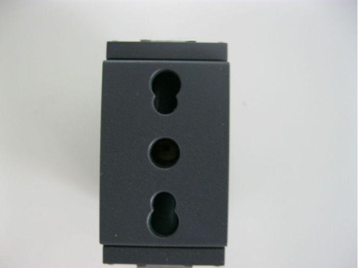 Vimar розетка 16 А 250 В