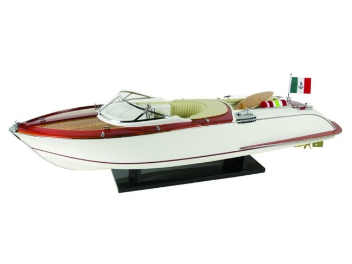 Модель яхты Riva 70 см