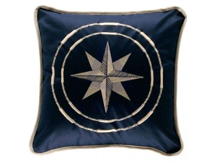 FREE STYLE темно-синяя декоративная подушка 40 x 40 см